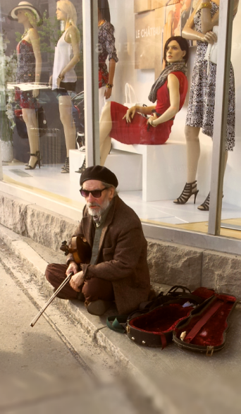 © Clr'15 Street Performer, rue St-Denis - Plateau Mont-Royale